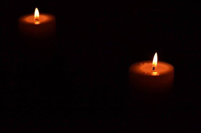 zapálené svíčky