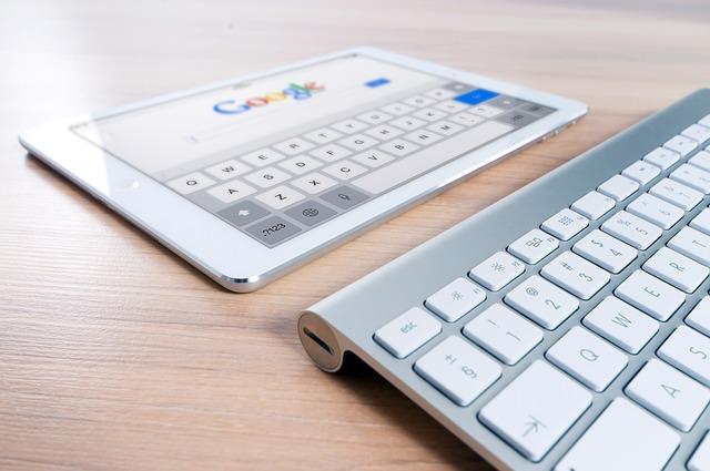 tablet a klávesnice