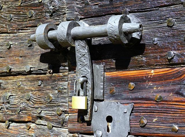 Starý zámek pro bránu