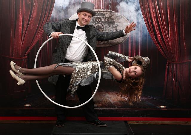Kouzelník a jeho asistentka